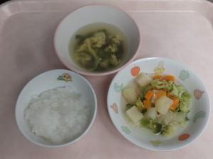 (9~11か月)軟飯・野菜とミンチの炊き合わせ・卵スープ