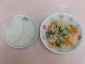 (7~8か月)7倍がゆ・野菜とミンチの炊き合わせ