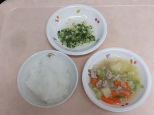 9~11か月 5倍がゆ ミンチと野菜のスープ煮 ブロッコリーサラダ