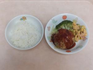 幼児食 ご飯 豆腐ハンバーグ パンプキンサラダ ボイルキャベツ ブロッコリー