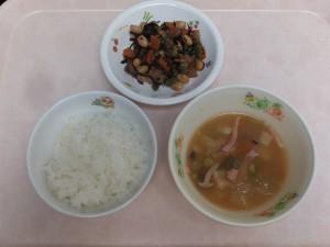 幼児食 ご飯、アスパラガスとじゃが芋の洋風みそ汁、大豆の磯煮