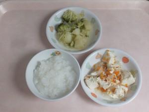 7~8か月 5倍がゆ 豆腐と野菜の  そぼろあんかけ 野菜の旨煮