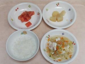 9~11か月 軟飯 鯛の野菜あんかけ トマト じゃが芋の柔らか煮