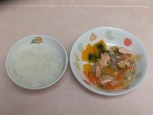 9~11か月 軟飯 鮭の野菜あんかけ ほくほく南瓜