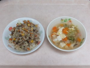 幼児食 ビビンバチャーハン レタススープ