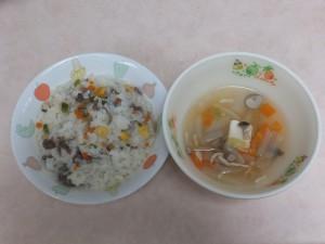 9~11か月 軟飯ビビンバチャーハンレタススープ