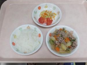 9~11か月 軟飯 ポトフ風 野菜サラダ