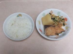 幼児食 ご飯 魚の味噌煮 千草和え