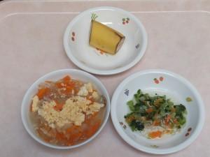 9~11ヶ月離乳食 親子丼風 小松菜の煮浸し バナナ