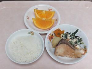 幼児食 ご飯 煮魚 白和え オレンジ