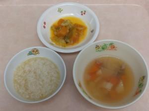 9~11ヶ月の離乳食 5倍がゆ 野菜スープ かぼちゃのうま煮