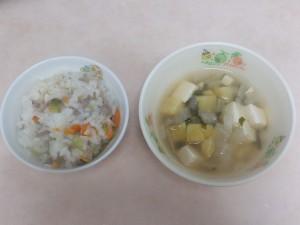 9~11ヶ月離乳食 他人丼風 豆腐のスープ
