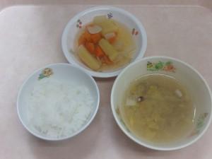 9~11カ月の離乳食 なんはん 野菜スープ さつま芋と人参の炊き合わせ