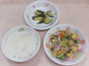 幼児食 ご飯 八宝菜 きゅうりの中華風