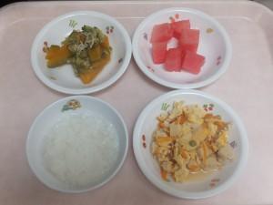9~11ヶ月離乳食 なんはん 高野豆腐の卵とじ 野菜の柔らか煮 すいか