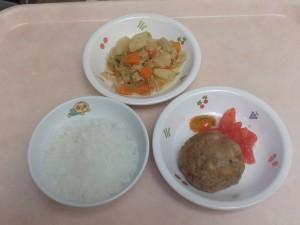 9~11ヶ月離乳食 なんはん 豆腐ハンバーグ 野菜の柔らか煮 トマト