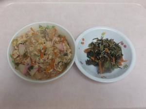 幼児食 親子丼 小松菜とシラスの和え物