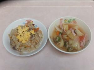 幼児食 ビビンバチャーハン 野菜スープ