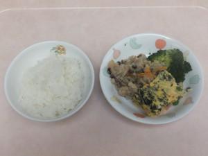 幼児食 ご飯 五目卵焼き 卯の花 ブロッコリー