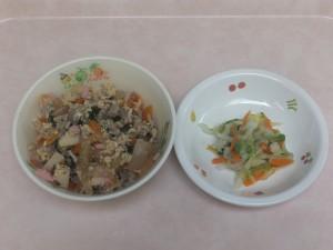 幼児食 他人丼 白菜の昆布風味