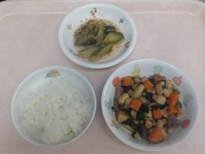 幼児食 ご飯 鶏肉の大豆五目煮 中華風きゅうり