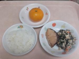 幼児食 ご飯 煮魚 白和え みかん