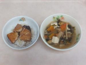 幼児食 蒲焼き丼 味噌汁