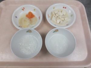 7~8ヶ月の離乳食 おかゆ じゃが芋と野菜の旨煮 豆腐のだし煮