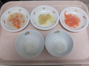 7~8ヶ月の離乳食 おかゆ ささみのとろみ和え トマトマッシュ さつま芋の旨煮