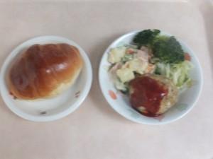 幼児食 パン 豆腐ハんバーグ マセドアンサラダ ボイル野菜