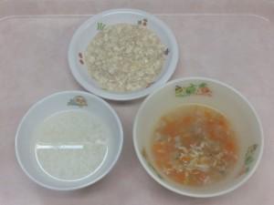 離乳食 おかゆ 野菜スープ 豆腐のそぼろあんかけ