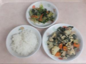 幼児食 ご飯 高野豆腐の卵とじ 和え物