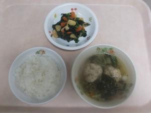 幼児食 ご飯 肉団子スープ さつま芋の和え物