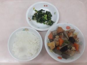 幼児食 ご飯 豚肉と野菜の味噌炒め煮 ごまあえ