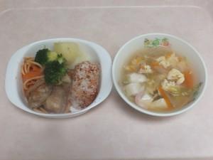 幼児食 お子様ランチ レタススープ
