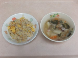 幼児食 チャーハン 野菜スープ