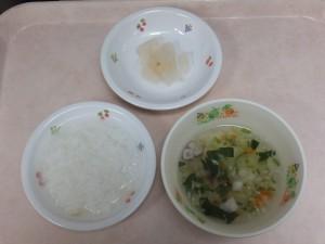 離乳食 おかゆ 野菜スープ 梨のコンポート