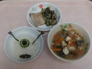 幼児食 目玉おばけご飯 魚の塩焼き 即席漬け 味噌汁