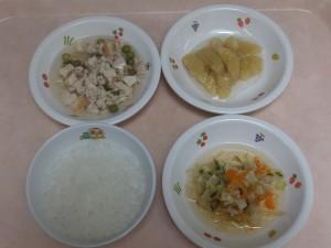 離乳食 おかゆ 野菜の炊き合せ 鶏肉と厚揚げの煮付け 煮バナナ