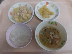 離乳食 おかゆ 野菜スープ ささみと芋の炊き合わせ 煮バナナ