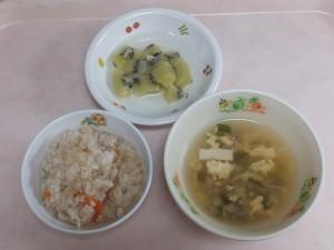 離乳食 五目がゆ 中華スープ キウイのコンポート